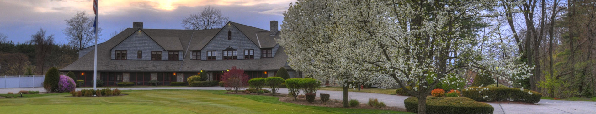 Vesper country club clubhouse